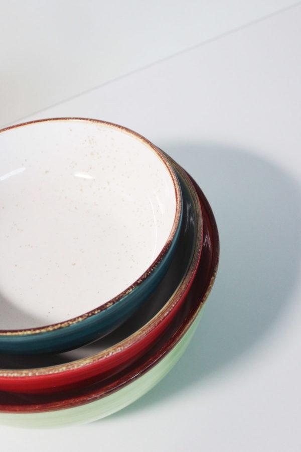 Set di 3 ciotole di diverse dimensioni in ceramica colorata a mano da artigiani italiani