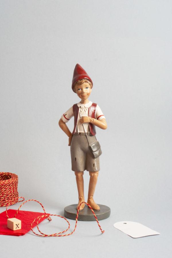 Pinocchio il burattino in piedi